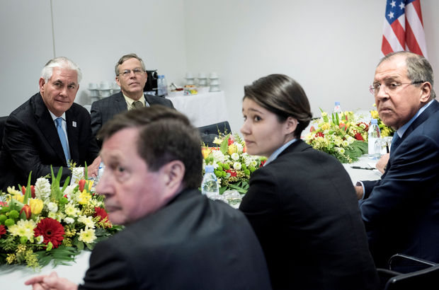 Lavrov ile Tillerson ilk kez bir araya geldi