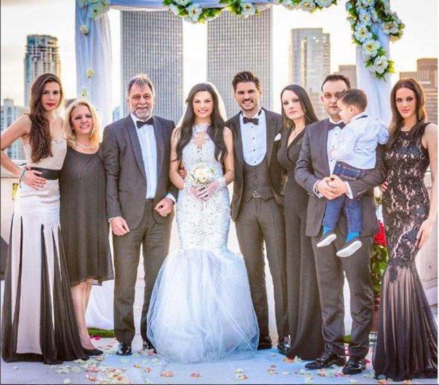 Almeda Abazi'den sitem