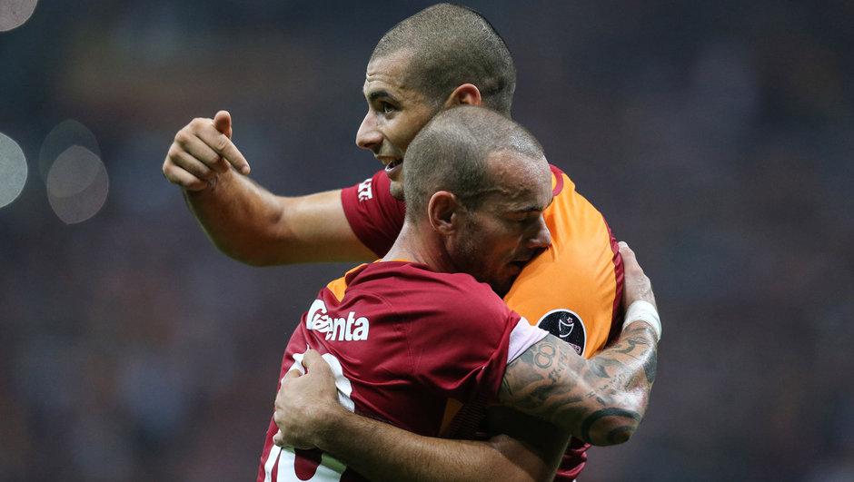 Wesley Sneijder ile Eren Derdiyok