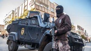 Nusaybin'de PKK'lılarla çatışma: 1 asker, 1 polis yaralandı