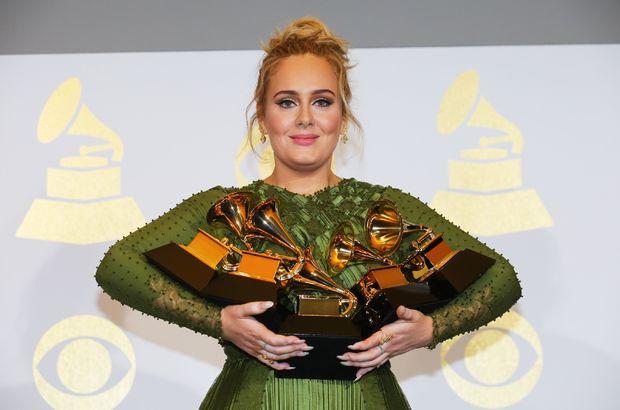 Adele'in bir gecede ne kadar kazandığı açıklandı