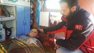 Suriye'de bacakları kopan çocuğa Türkiye kucak açtı