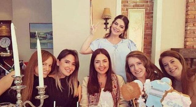 Pelin Karahan baby shower partisi yaptı