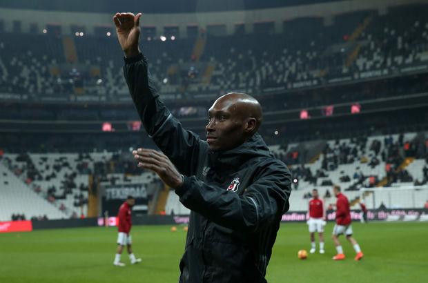 Beşiktaş'tan Atiba Hutchinson'a yeni sözleşme