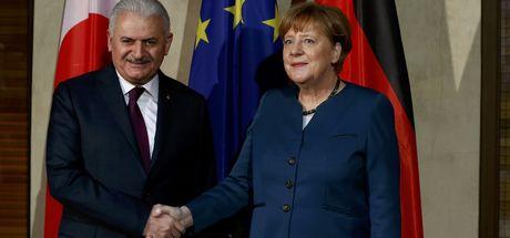 Yıldırım ile Merkel'in görüşmesi sona erdi