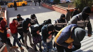 Karabük'te uyuşturucu tacirlerine operasyon: 5 kişi tutuklandı