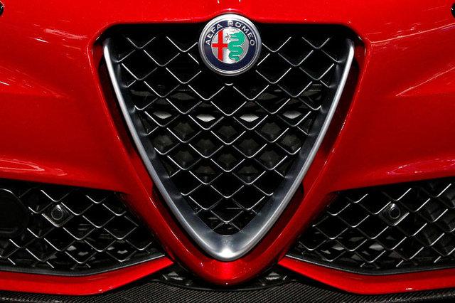 Fatih Altaylı çeker Maserati Levante'yi test etti