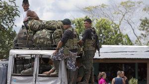 Kolombiya'da FARC militanları silah bırakmak için  alanlara ulaştı
