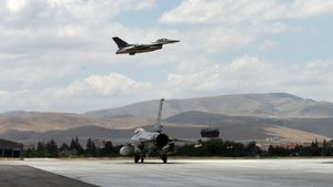 Kuzey Irak'a hava operasyonunda 8 terörist öldürüldü