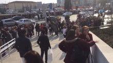 İstanbul'da AVM'de panik yaratan kavga