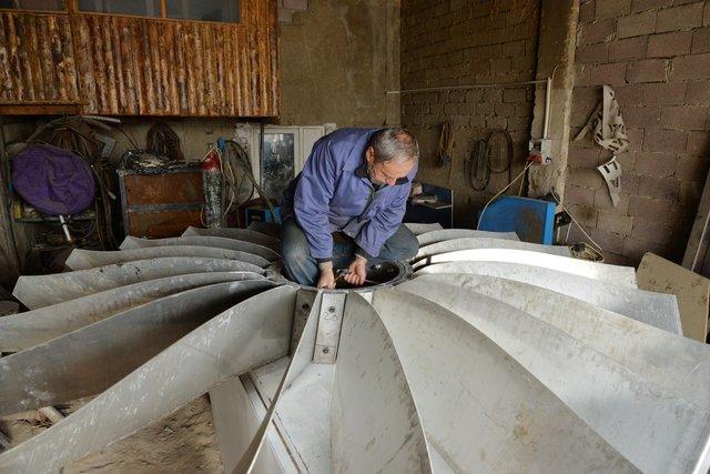 Çiftçi Mehmet Akpınar uçaklar için dev klima sistemi yapıyor