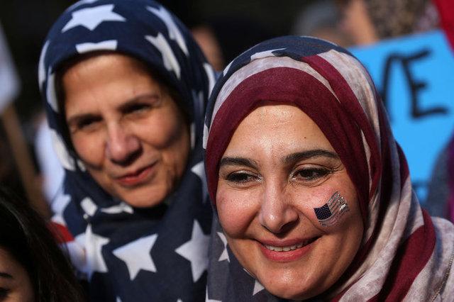 ABD sokağa indi, 'Bugün ben de Müslüman'ım' dedi!