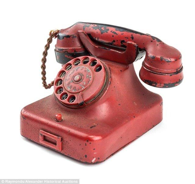 Dünyanın en günahkar telefonu rekor fiyatla satıldı!