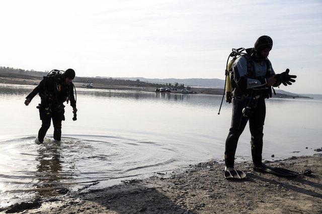 Balık tutan vatandaşlar gördü, polis harekete geçti