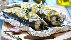 Yağlı balık fast food'un zararlı etkisini azaltıyor