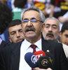 Sabah saatlerinde gözaltına alınan HDP Milletvekili Behçet Yıldırım, yurtdışı çıkış yasağı konularak serbest bırakıldı