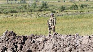 PKK'lının gösterdiği yerde çok sayıda silah ve mühimmat bulundu