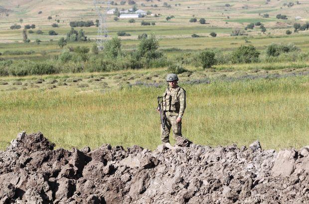 Hakkari'de PKK'lının gösterdiği yerde çok sayıda silah ve mühimmat bulundu