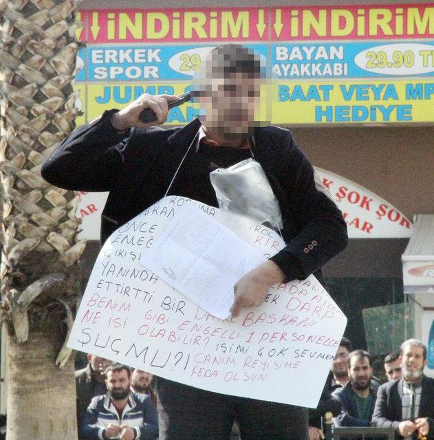 Şanlıurfa'da İbrahim Halil A., belediye önünde intihar girişiminde bulundu