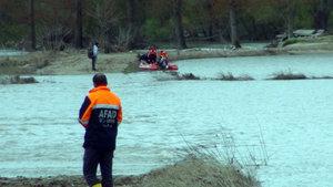 Meriç Nehri'nde kaçakları taşıyan bot battı! 3 kişi boğuldu, 5 kişi kurtarıldı