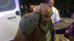 Kocaeli'de bir şahıs kafasında bıçakla hastaneye zor yetişti