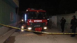 Adana'da ev yangınında 2 çocuk öldü