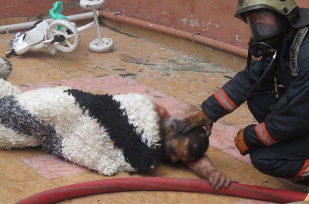 Kartal'da bir binanın giriş katındaki dairede çıkan yangında yanan Mahmut Kocabaş'ı itfaiye kurtardı