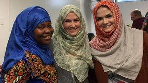 Kanada'lı Müslümanlara başörtülü destek