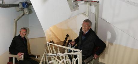 Engelli ve yaşlılar için merdiven asansörü üretildi