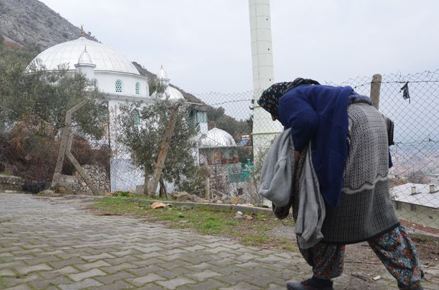 Manisa'da 82 yaşındaki kadına iki büklüm cami nöbeti
