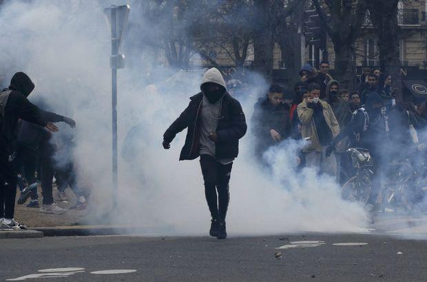 Polis şiddeti protestolarına lise öğrencileri de katıldı