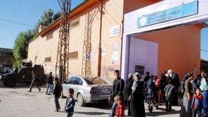 Diyarbakır Sur'da 6 mahalledeki 45 sandık taşındı