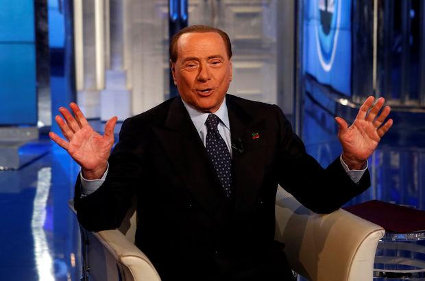Silvio Berlusconi kendisiyle 'bir öğle yemeği'ni açık artırmaya çıkardı