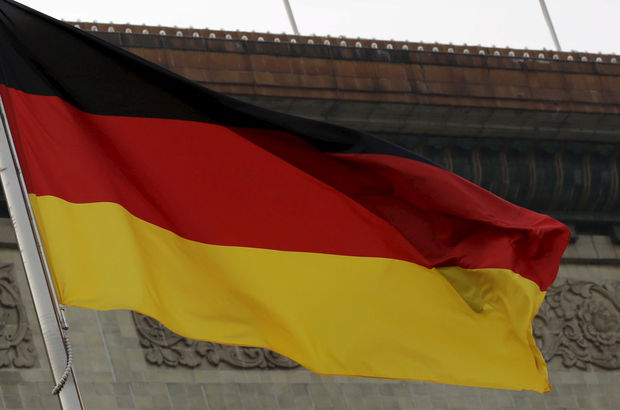 Alman istihbaratının yabancı gazetecileri dinlediği iddia edildi