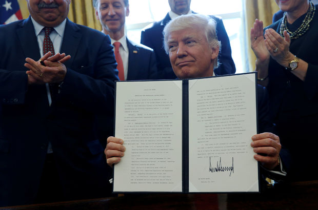 ABD Başkanı Trump'tan yeni regülasyon kararnamesi