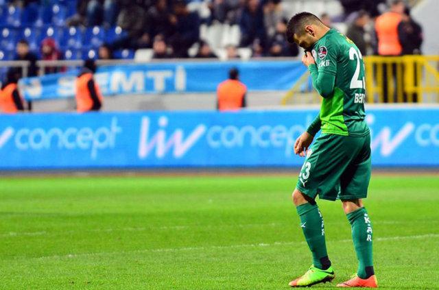 Bursasporlu futbolculara saldırı!