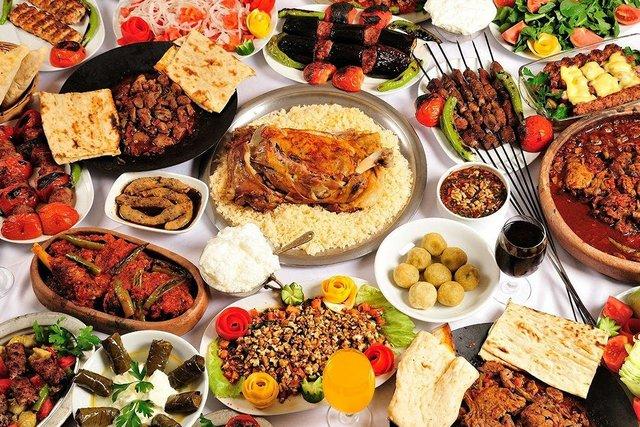 """Ali Esad Göksel, """"ötekilerin mutfağı""""nı sizler için yazdı"""
