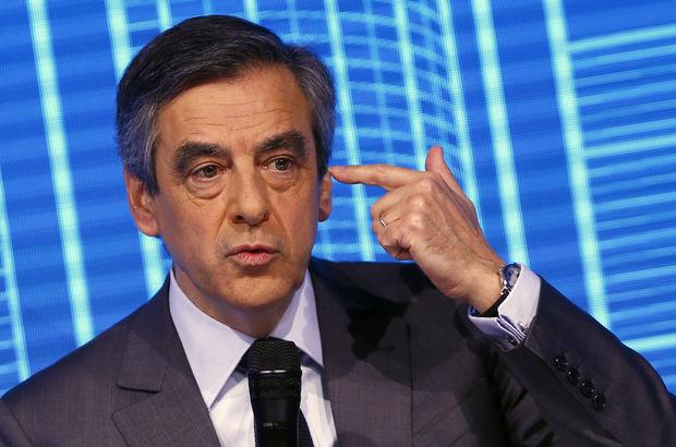 Fransa'da cumhurbaşkanlığı adayı Fillon'a soruşturma