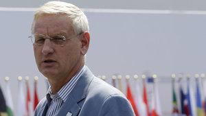 İsveç eski Başbakanı Bildt: Trump ülkemize çamur atıyor