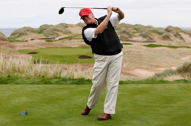 Trump istihbaratı boşverdi, golf oynamaya gitti!