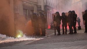 Fransa'da cumhurbaşkanı adayı Le Pen karşıtı protestolar