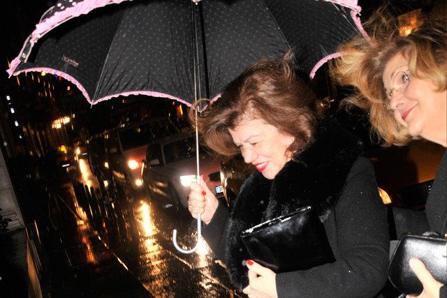 Beren Saat, 33'üncü yaşını eşi Kenan Doğulu'nun organize ettiği partiyle kutladı