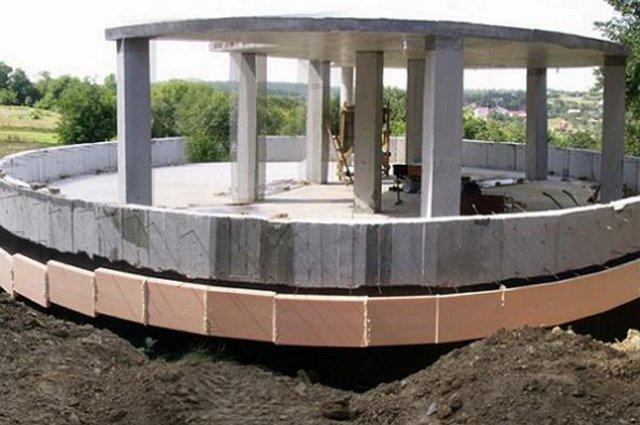 Köpükten evleri 2 saatte inşa ediyorlar