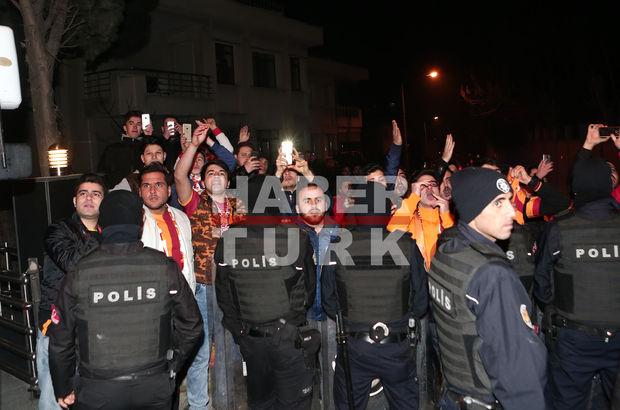 Galatasaray'a Florya'da protesto!