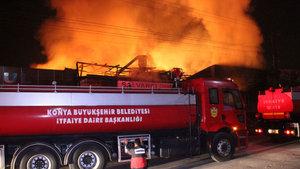 Konya'da marangoz atölyesinde yangın!