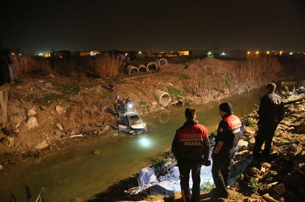 Adana'da otomobil sulama kanalına uçtu