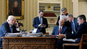 Beyaz Saray'da 'acil durum': Telefonları çıkarın!