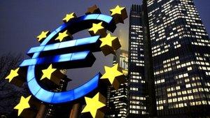 Fransa ve İtalya'nın euro bölgesinden çekilebileceği öngörülüyor