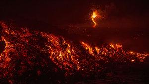 Avrupa'nın canavarı Etna aylar sonra uyandı! Alarm verildi!