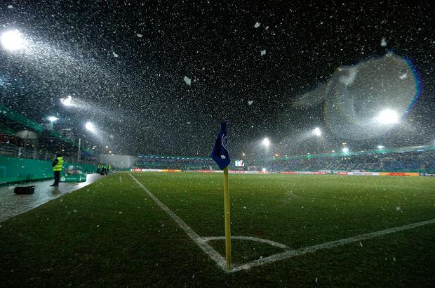 Lotte - Borussia Dortmund maçı kar nedeniyle ertelendi!